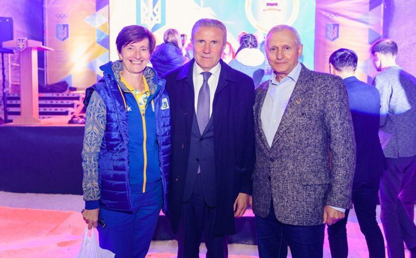 Оксана Вацеба: «Нам усім треба частіше бувати там і навіть своєю присутністю підтримувати українську Донеччину»