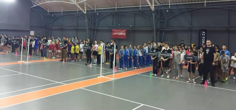 """На міжнародний турнір """"Львівські зустрічі"""" приїхала рекордна кількість юних бадмінтоністів"""