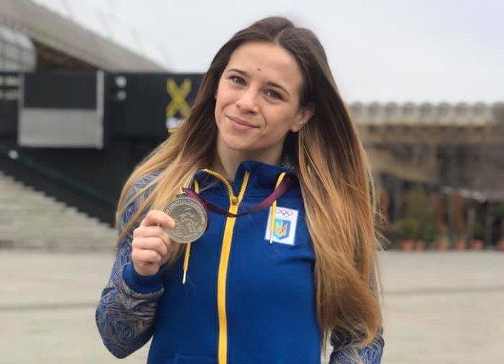 Ангеліна Лисак перемогла росіянку у бронзовому фіналі чемпіонату світу зі спортивної боротьби U-23