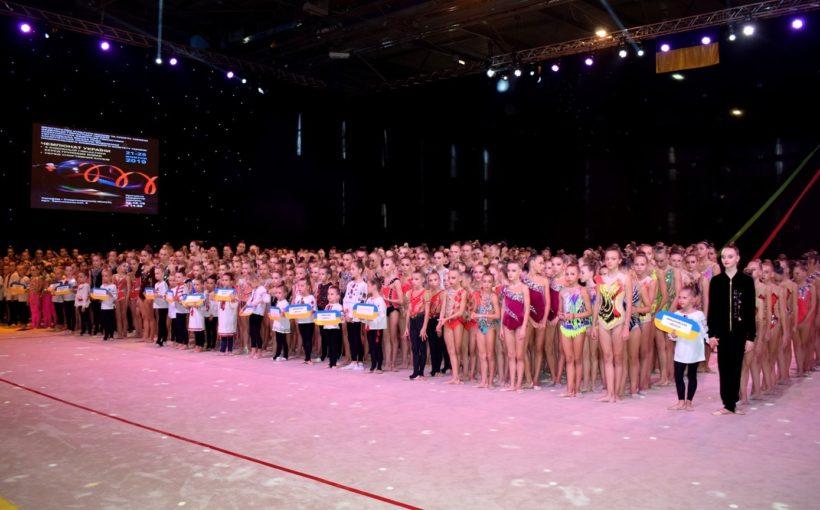 Львівські грації змагаються на чемпіонаті України з художньої гімнастики серед групових вправ та серед спортивних клубів в Ужгороді