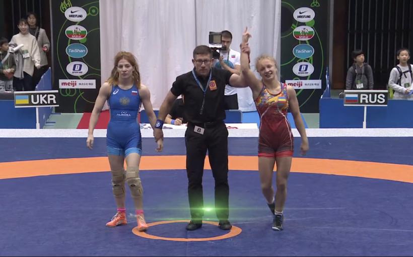 Героїні дня Марія і Соломія Винник! Як львівські борчині перемагали росіянок на Кубку світу! (відео)