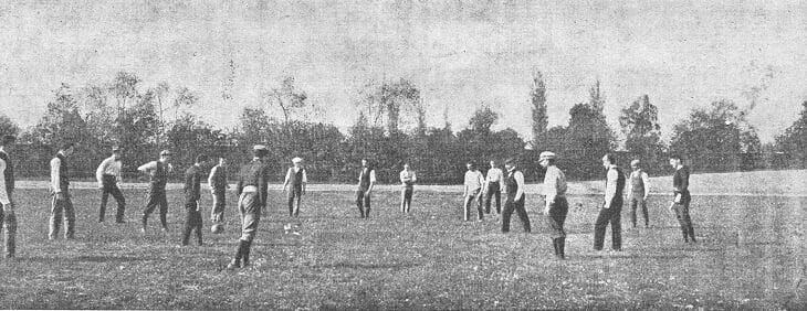 Сьогодні День народження українського футболу: 126 років тому у Львові відбувся перший в українській історії футбольний матч